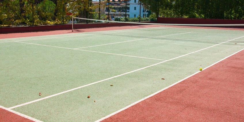 תחזוקת חשמל למגרשי טניס